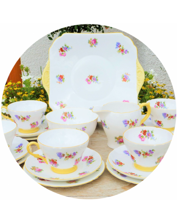 (OUT OF STOCK) SHELLEY TEA ROSE VINTAGE TEA SET